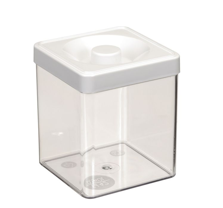 dóza 0,50l  8,3x 8,3x10,0cm, čtverc., plast