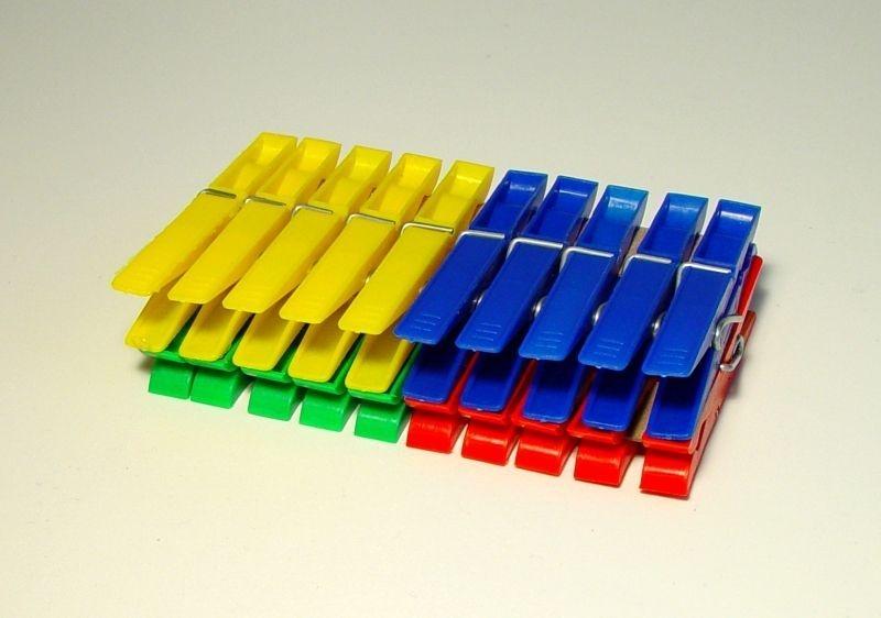 kolíčky 20ks, 7x1,5x0,9cm, plast