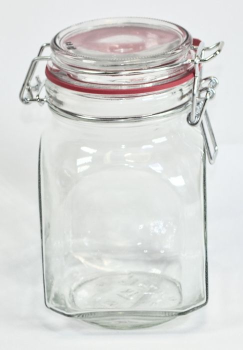 dóza  0,76l zavař.,patent., 9,2x 9,2cm, čtverc., sklo