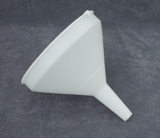 nálevka d25cm-trychtýř, plast