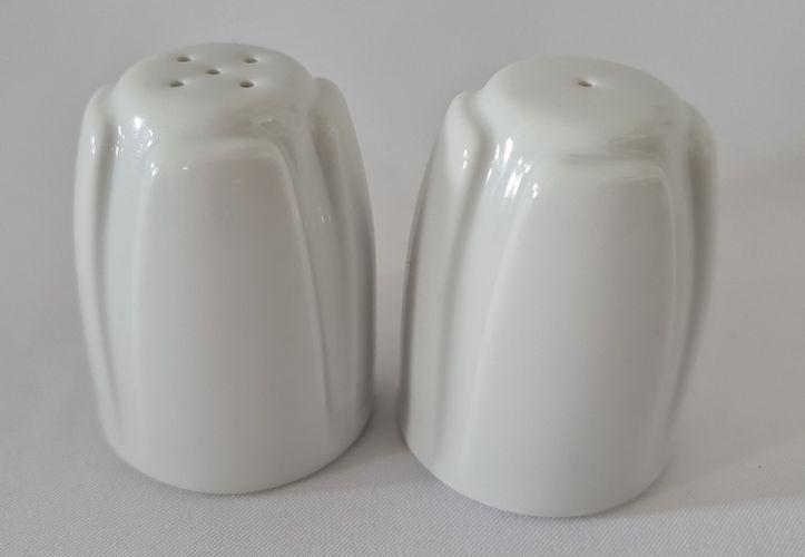 slánka nebo pepřenka d5x6,5cm, porcelán bílý